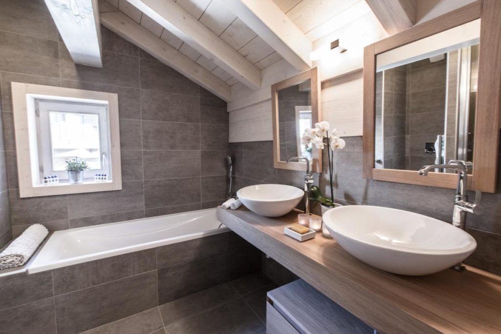 alpine-residences-whistler-lodge-bathroom