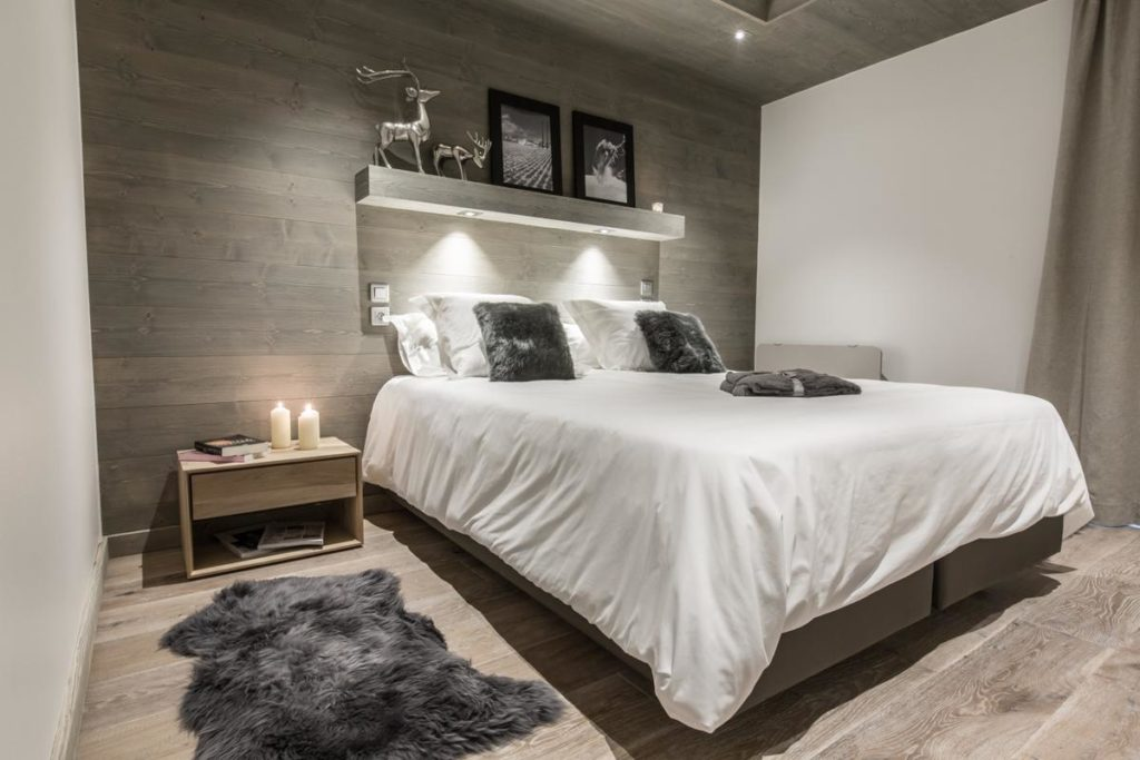 alpine-residences-whistler-lodge-bedroom-2
